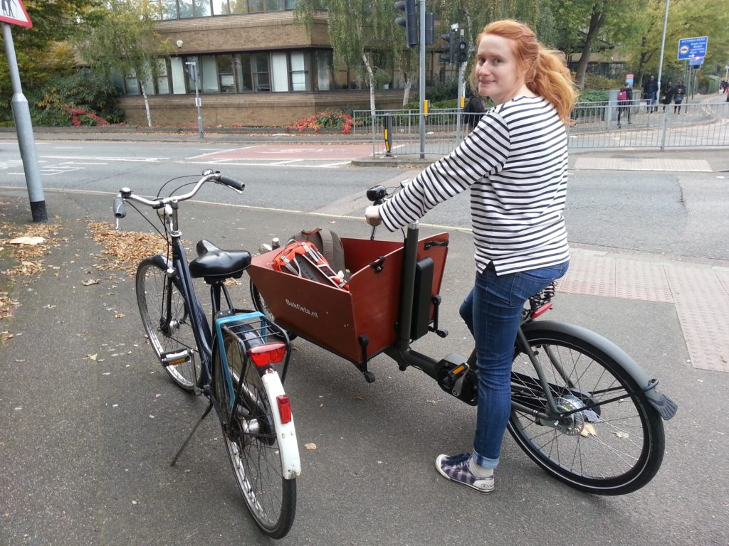 Louise and the Bakfiets in Cambrige